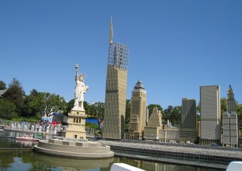 NYC skyline in LEGO